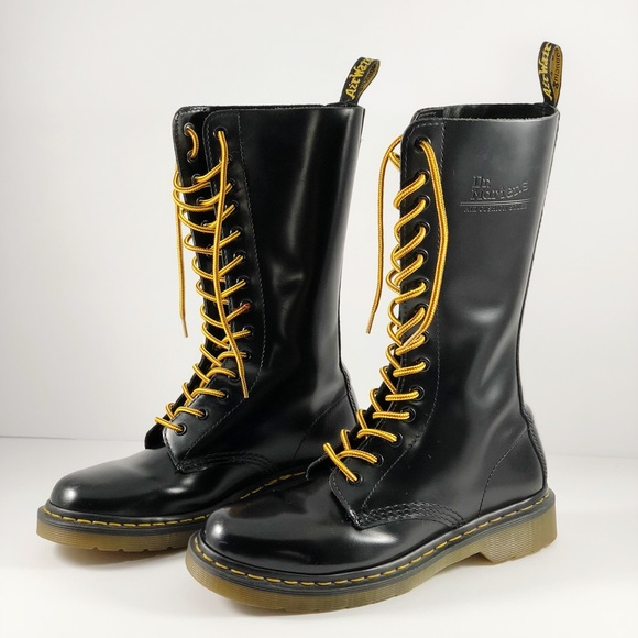 check out a1f67 3c876 Dr. Martens 1914 Boots